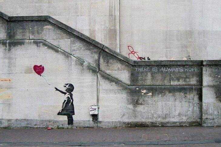 Banksy_Girl_and_Heart_Balloon-3a5d9xs17n5sk1iu5p4o3k